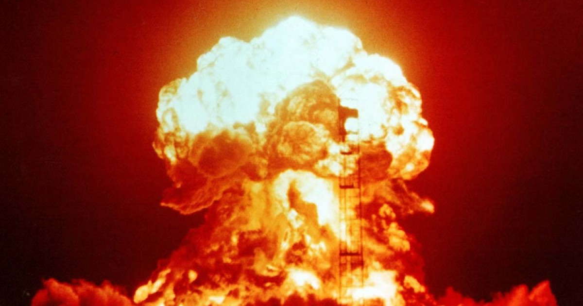 Atomosophobia (fear of a nuclear explosion): symptoms, causes, treatment